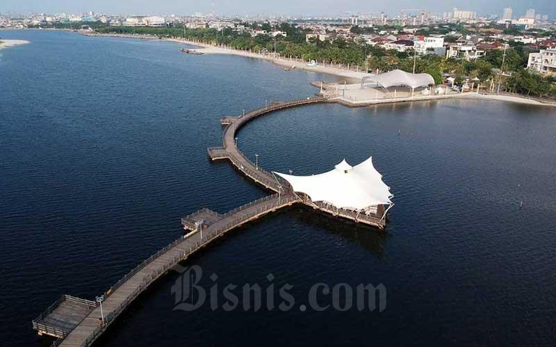 Suasana lengang terlihat di Pantai Ancol, Jakarta, Jumat (29/5/2020). Bisnis - Eusebio Chrysnamurti