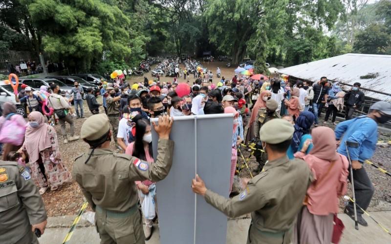 Rapid test antigen di Kebun Binatang Bandung - Istimewa