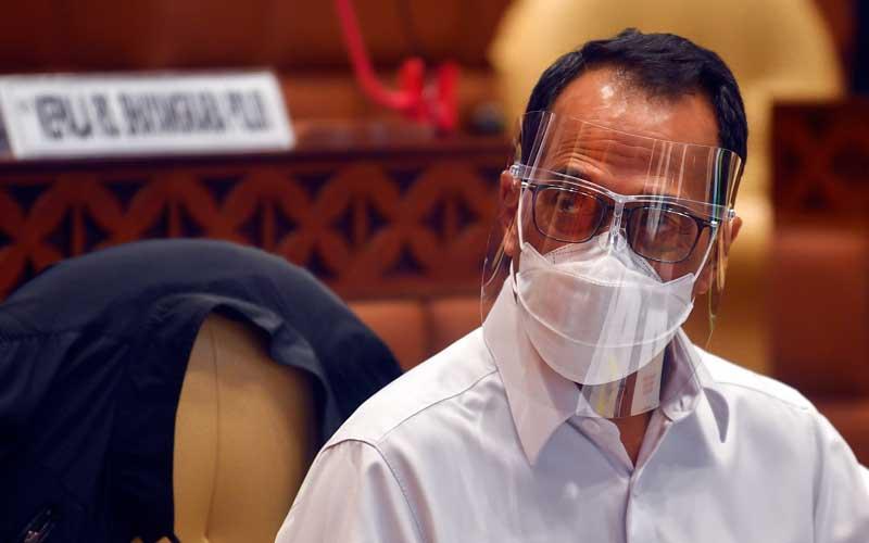Menteri Perhubungan Budi Karya Sumadi mengikuti Rapat Dengar Pendapat (RDP) dengan komisi V DPR,  di Kompleks Parlemen, Senayan, Jakarta, Rabu (3/2/2021). ANTARA FOTO - Muhammad Adimaja