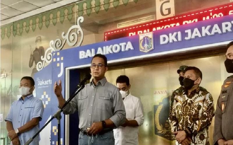 Gubernur DKI Jakarta Anies Baswedan saat menggelar konferensi pers terkait pengetatan arus balik Hari Raya Idulfitri 1442 Hijriah di Balai Kota DKI Jakarta, Jumat (14/5/2021). - Antara\r\n