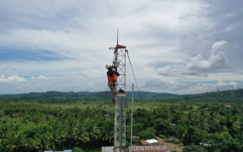 Ilustrasi peningkatan infrastruktur telekomunikasi. - Ist