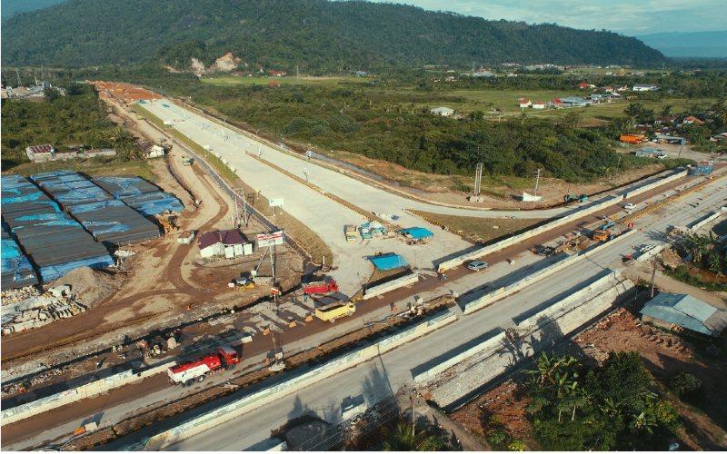 PT Hutama Karya (Persero) (Hutama Karya) terus kebut pembangunan Jalan Tol Trans Sumatra (JTTS), salah satunya yakni Ruas Pekanbaru-Padang Seksi 1 (Padang-Sicincin) (Pacin) sepanjang 36km.   - Hutama Karya