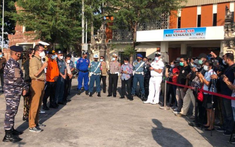 Konferensi pers setelah 19 ABK WNI KM Bandar Nelayan 188 tiba di Tanah Air, Jumat (21/5/2021) pagi, di Pelabuhan Tanjung Benoa, Bali - Dok.Kemenlu