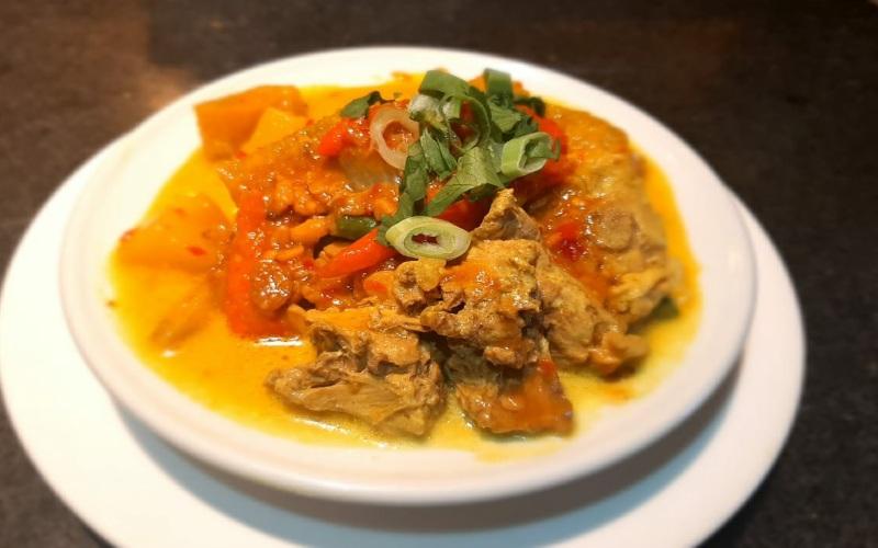 Louis Kienne Hotel Pandanaran menawarkan paket halalbihalal dengan menu spesial Ketupat Tauco. (Foto: Istimewa)