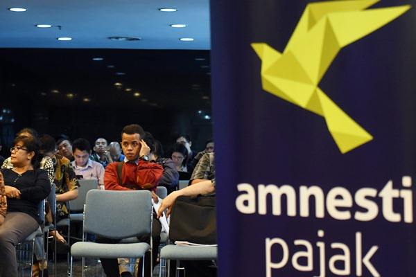 Wajib pajak antre di Kantor Pusat Ditjen Pajak, Jakarta, Rabu (29/3/2017). - Antara/Akbar Nugroho Gumay
