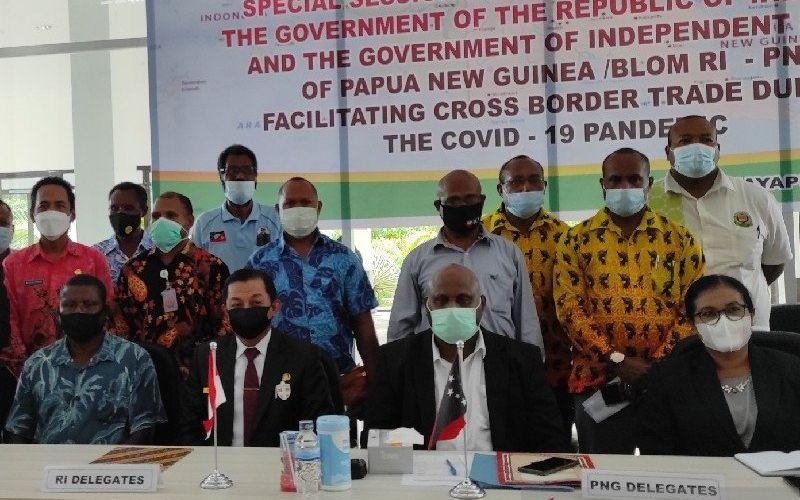Pertemuan terbatas antar pejabat RI- Papua Nugini (PNG) di PLBN Skouw, Jayapura, Kamis (20/5/2021). - Antara/Evarukdijati