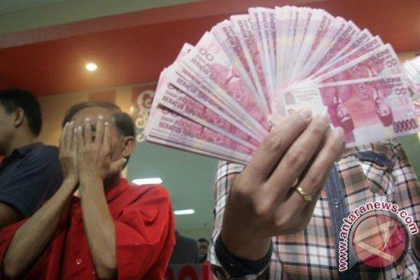 Ilustrasi penangkapan uang palsu - Antara