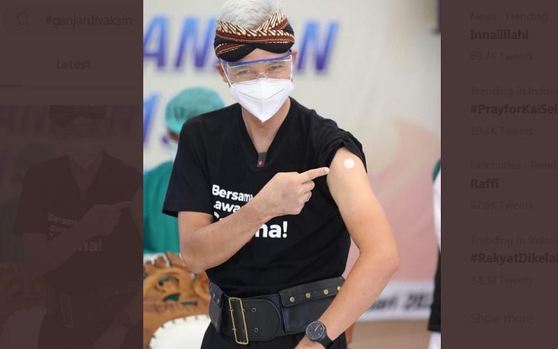 Gubernur Jawa tengah Ganjar Pranowo disuntik vaksin Covid-19, Kamis (14/1/2021). JIBI - Bisnis/Nancy junita @ganjarpranowo