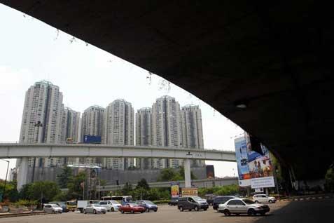 Gedung, jalan layang, Apartemen Jakarta.  - Bisnis.com