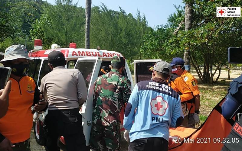 Evakuasi korban kecelakaan pikap di Poncokusumo, Rabu (26/5/2021). - Istimewa