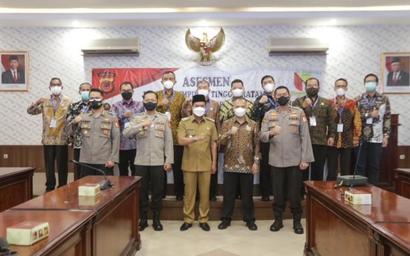 10 peserta seleksi terbuka Jabatan Pimpinan Tinggi Pratama Sekretaris Daerah (Sekda) Pemerintah Kabupaten Bandung mengikuti tahapan asesmen yang digelar di Markas Komando Polda Jabar, Bandung, Kamis (27/5 - 2021).