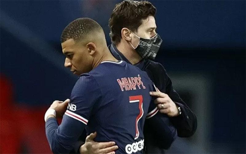 Bintang Paris Saint-Germain Kylian Mbappe bersama pelatih Mauricio Pochettino./Antara - Reuters