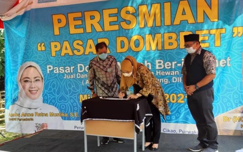 Peresmian Pasar Dombret di Kabupaten Purwakarta - Bisnis/Asep Mulyana