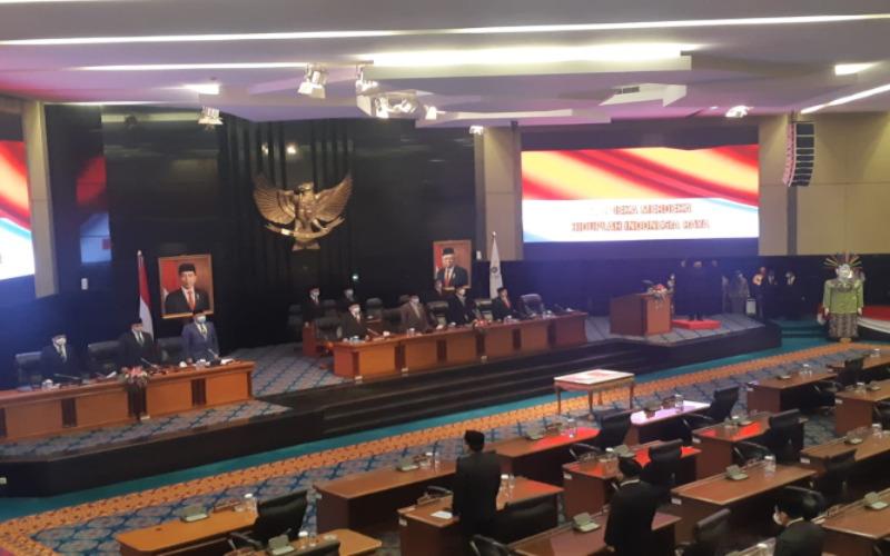 Rapat Paripurna DPRD DKI Jakarta dengan agenda Penyerahan LHP BPK RI atas LKPD Provinsi DKI Jakarta Tahun Anggaran 2020. - Nyoman Ary Wahyudi