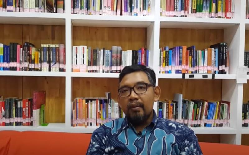 Direktur Sosialisasi dan Kampanye Anti-Korupsi Komisi Pemberantasan Korupsi (KPK) Giri Suprapdiono - Youtube