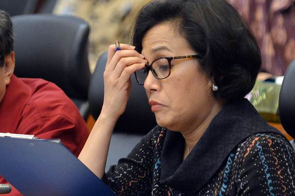 Menteri Keuangan Sri Mulyani mengikuti rapat kerja dengan Badan Anggaran DPR di Gedung Nusantara II, Kompleks Parlemen, Senayan, Jakarta, Selasa (24/10). - ANTARA/Wahyu Putro A