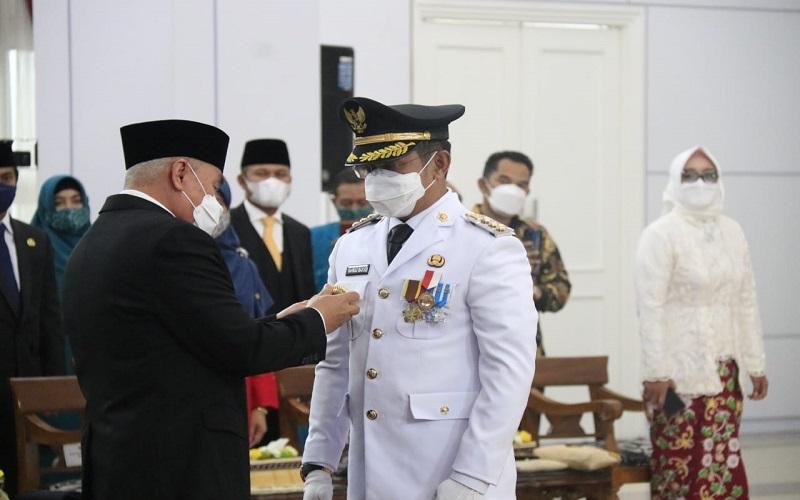 Wali Kota Balikpapan Terpilih Periode 2021-2024 Rahmad Mas'ud saat dilantik oleh Gubernur Kaltim Isran Noor di Pendopo Odah Etam, Samarinda, Senin (31 - 5).