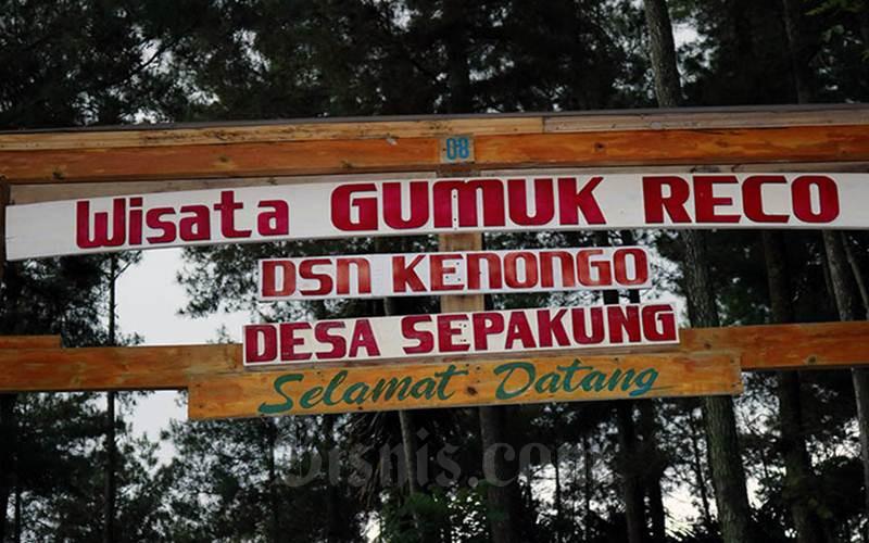 Pintu masuk Wisata Gumuk Reco, Desa Wisata Sepakung, Banyubiru, Semarang. - Bisnis/Muhammad Faisal Nur Ikhsan