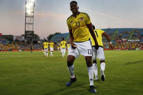Pemain belakang Timnas Kolombia Yerry Mina - Reuters