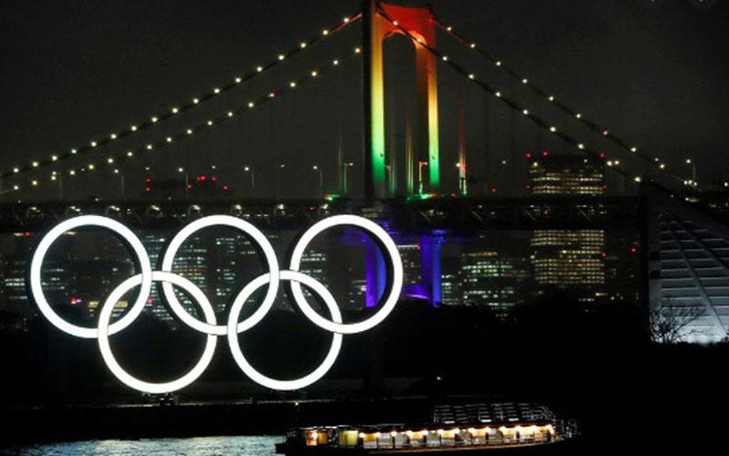 Jembatan Pelangi dihiasi lambang Olimpiade di Tokyo, Jepang./Antara - Reuters