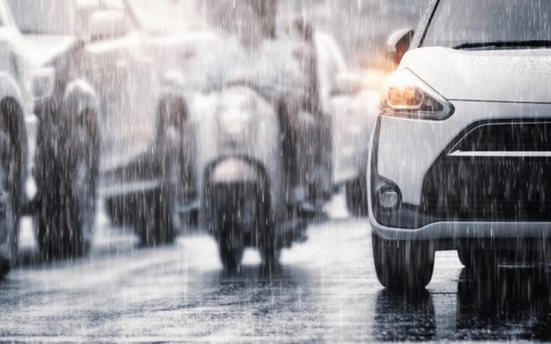 Musim hujan sudah memasuki sejumlah wilayah di Indonesia. Badai tropis pun bisa terjadi dan berdampak pada peningkatan curah hujan musim ini. Hal itu berpotensi terbentuk di beberapa wilayah.  - AUTO2000