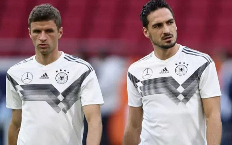 Dua pemain andalan Timnas Jerman, Thomas Muller (kiri) dan Mats Hummels. - Antara
