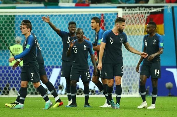 Ngolo Kante bersama Timnas Prancis - Reuters