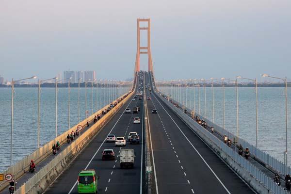 Jembatan Suramadu - Antara/Didik Suhartono