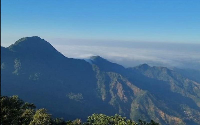 Gunung Rahtawu di Kabupaten Kudus Jawa Tengah. - Instagram @kholifasiti709