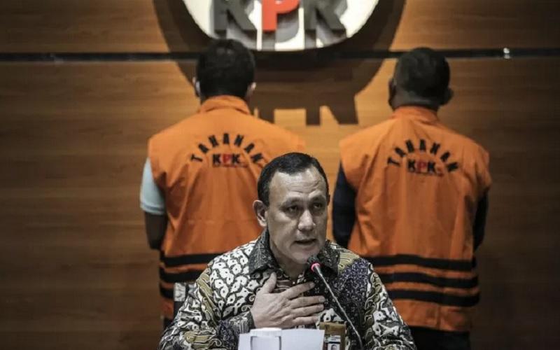 Ketua KPK Firli Bahuri saat menyampaikan keterangan pers di Gedung Merah Putih KPK, Jakarta, Kamis (22/4/2021). - Antara