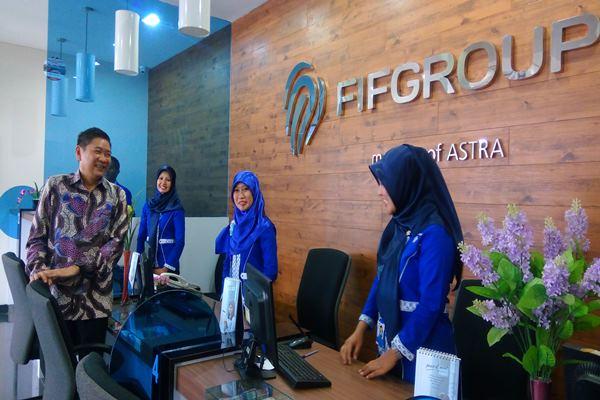 Perusahaan pembiayaan PT Federal International Finance atau FIFGroup meresmikan kantor cabangnya di Depok, Kamis (25/8/2017). - Bisnis.com/Miftahul Khoer