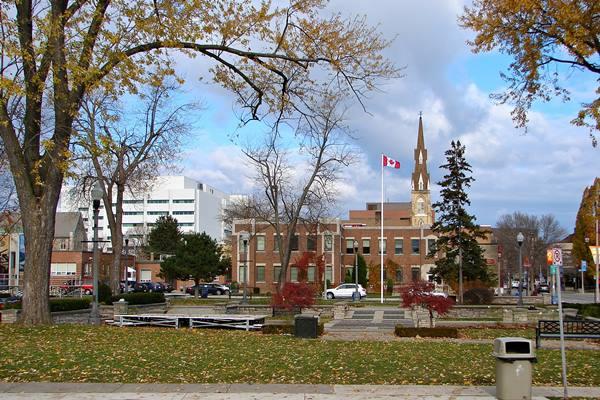 Kota Oshawa di Kanada - wikipedia