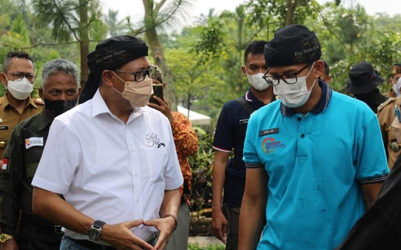 Kepala Disaparbud Jabar Dedi Taufik saat bersama Menteri Parekraf Sandiaga Uno - Istimewa