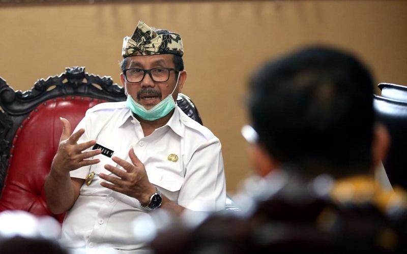 Bupati Cirebon Imron Rosyadi - Bisnis