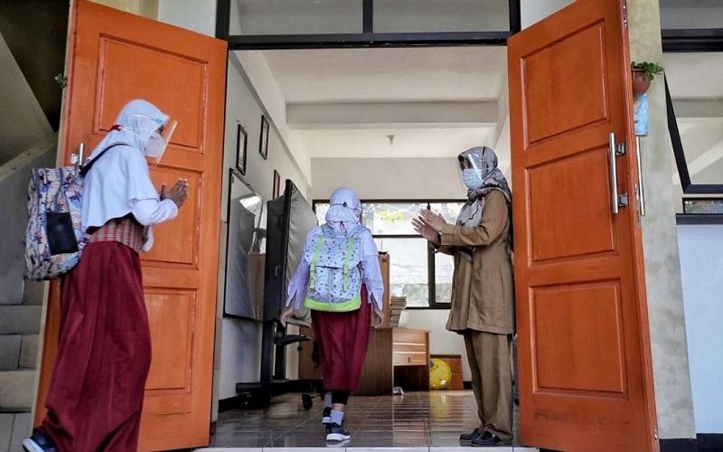 Uji coba PTM Terbatas di Kota Bandung