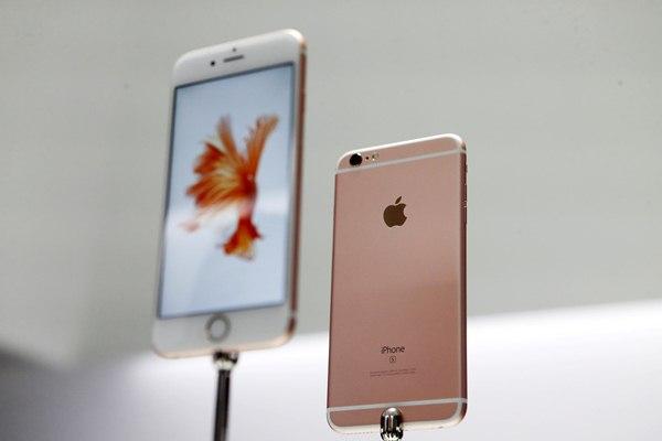 Pengguna iPhone 6s sudah bisa melakukan update iOS 15 - Reuters