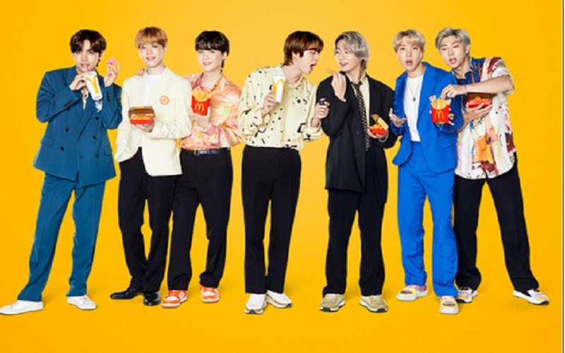 Boy band asal Kores Selatan BTS mempromosikan menu McDonald's yang dikemas sebagai BTS Meal. JIBI - Bisnis/Nancy Junita @McDonalds_ID