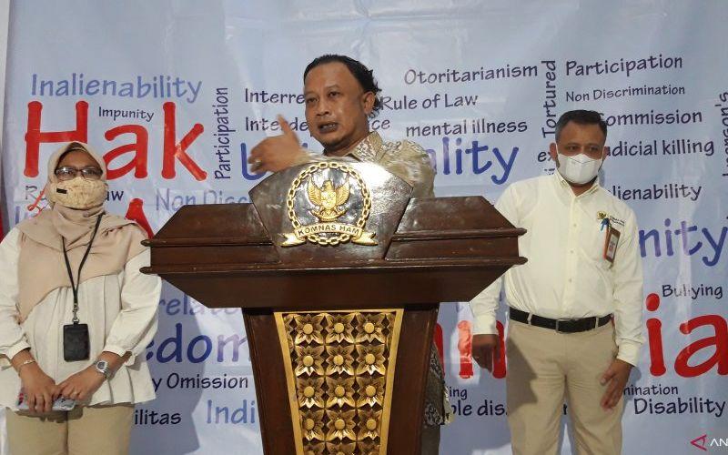 Komisioner Pemantauan dan Penyelidikan Komisi Nasional Hak Asasi Manusia (Komnas HAM) Mohammad Choirul Anam. (ANTARA - Muhammad Zulfikar)