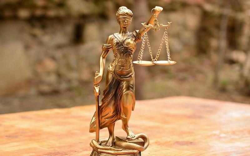 Patung Dewi Keadilan - Istimewa