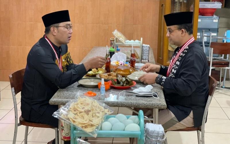 Gubernur Jawa Barat Ridwan Kamil dan Gubernur DKI Jakarta Anies Baswedan saat di Sumedang - Istimewa
