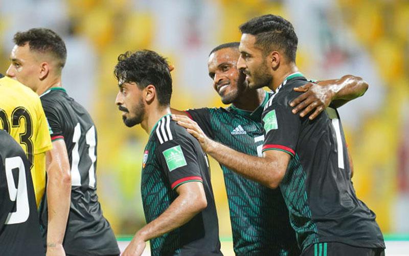 Para pemain Uni Emirat Arab setelah mencetak gol ke gawang Indonesia. - AFC