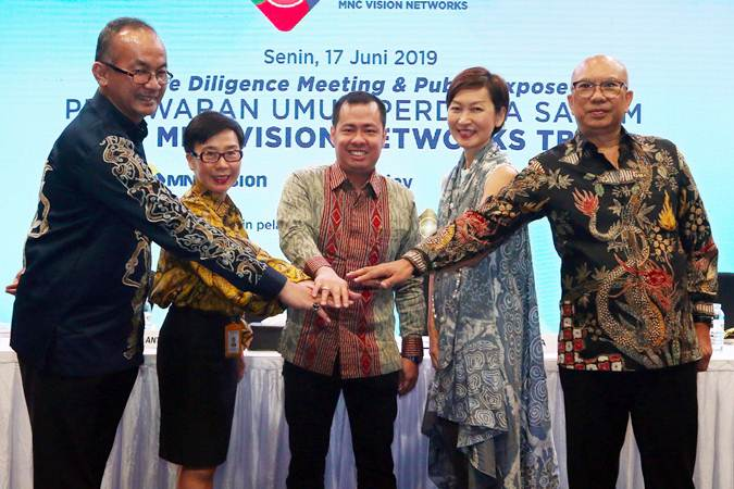 EMITEN GRUP MNC    : Anak IPTV Batal Merger