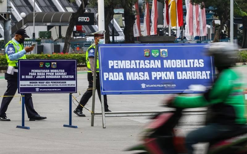 Hore! Seluruh Daerah di Jawa-Bali Akhirnya Keluar dari Level 4 PPKM -  Kabar24 Bisnis.com