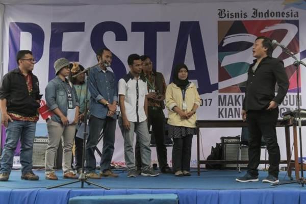 Suasana perayaan HUT Ke-32 Bisnis Indonesia, di Jakarta, Kamis (14.12). Menyambut usianya yang ke-32 Bisnis Indonesia siap menghadapi tantangan untuk menjaga posisi sebagai pemimpin di captive market di tengah perkembangan teknologi.  JIBI/Bisnis/Felix Jody Kinarwan