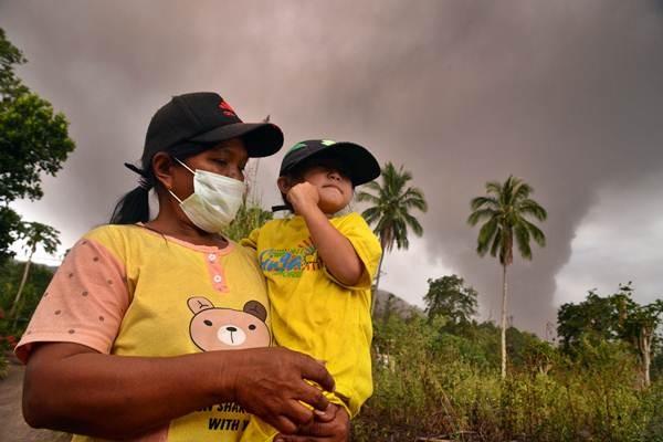Erupsi Gunung Soputan di Minahasa Selatan - Bisnis.com