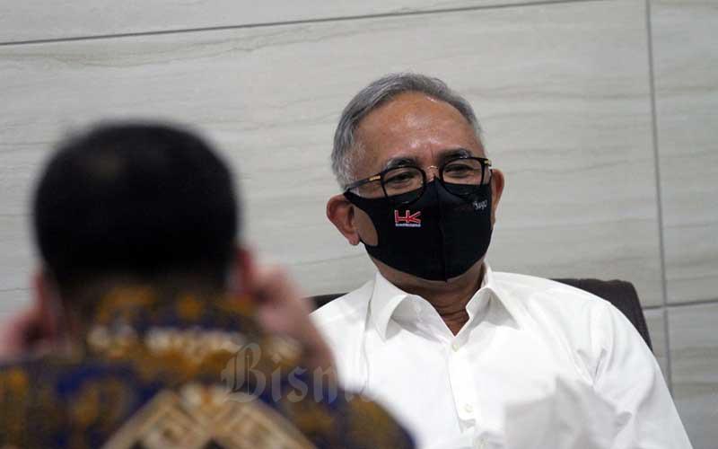 Direktur Utama PT Hutama Karya (Persero) Budi Harto saat menghadiri rapat dengar pendapat dengan Komisi VII DPR di Jakarta, Rabu (1/7/2020). Rapat tersebut antara lain membahas pendalaman terkait Pencairan Hutang Pemerintah ke BUMN TA 2020. Bisnis/Dedi Gunawan