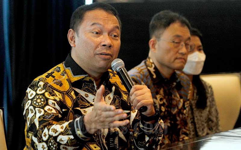 Direktur Utama Bank Bukopin Rivan A. Purwantono memberikan pemaparan kepada media di Jakarta, Kamis (2/7/2020). Bisnis/Himawan L Nugraha