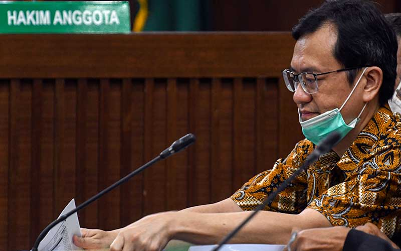 Terdakwa Direktur Utama PT Hanson Internasional Tbk Beny Tjokrosaputro mengikuti jalannya sidang lanjutan kasus korupsi pengelolaan keuangan dan dana investasi PT Asuransi Jiwasraya di Pengadilan Tipikor, Jakarta, Senin (13/7/2020). ANTARA FOTO/M Risyal Hidayat