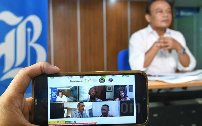 Suasana diskusi virtual tentang pentingnya verifikasi protokol kesehatan di Jakarta, Jumat (18/9/2020). Indonesia Gastronomy Community (IGC), Bisnis Indonesia, dan Persatuan Hotel Seluruh Indonesia (PHRI) menggelar seminar virtual tentang Pentingnya Verifikasi Protokol Kesehatan untuk Peningkatan Wisata Gastronomi. Bisnis/Abdurachman