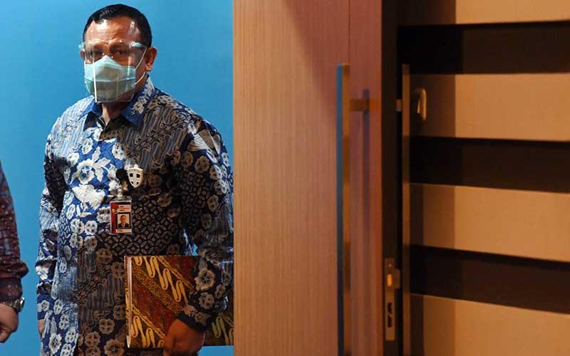 Ketua KPK Firli Bahuri bersiap menjalani sidang etik dengan agenda pembacaan putusan di Gedung ACLC KPK, Jakarta, Kamis (24/9/2020). ANTARA FOTO/Hafidz Mubarak A/nz
